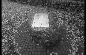 Monument to victims of political repression on the territory of the Yauzskaya Hospital. Photo: Memorial Society Photo Archive