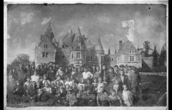 "Children of the ""Mayendorf"" Colony. Photograph:www.togdazine.ru"