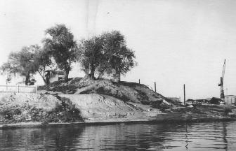 Причал завода железобетонных изделий у улицы Шеногина. 1955 г.