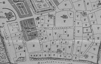 """10 Krivoy Lane, Moscow. Location of the City arrest house 1472/152 marked with contours. Source: """"Vsya Moskva"""", 1904."""
