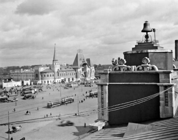 Kalanchyovskaya (now Komsomolskaya) Square. Photo: PastVu