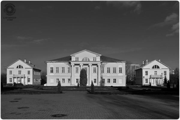 The main building of Sviblovo estate. Photo: Ivan Liphintsov, photophren.livejournal.com