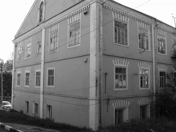 Textile factory building in the former village of Maksimova. Photograph: korolew.livejournal.com