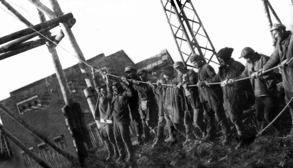 Строительство Каширской ГРЭС им. Г. М. Кржижановского, в котором также участвовали заключенные Покровского концлагеря. Станция, построеная под личным контролем В.И. Ленина по плану ГОЭЛРО, была введена в эксплуатацию в 1922 г.