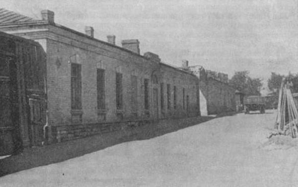 Office. Exit to Krivovvedenskii Lane.