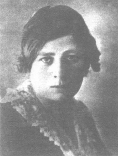 Olga Eliseevna Chernova-Kolbasina. Photo published in Irma Kudrova, Comet's Journey: After Russia.