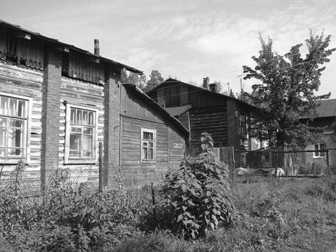 Former stables on the territory of the Brockar estate Source: Alex Remizov (ru-ivanteevka.livejournal.com)