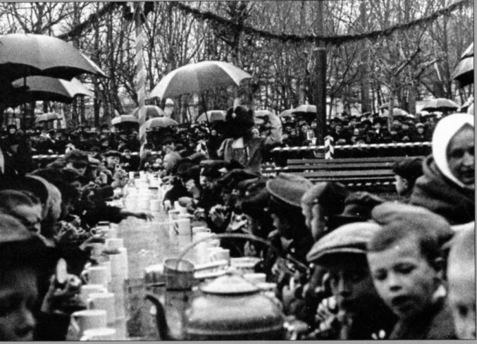 Tea time in the courtyard of the orphanage named after Gaaz in Sokolniki, May 11, 1914. Photograph: PastVu